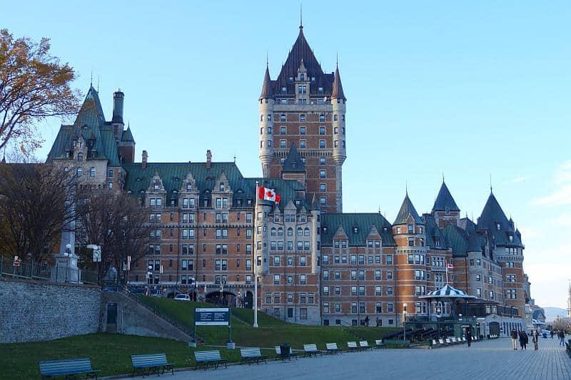 Château Frontenac bei Tag, Québec