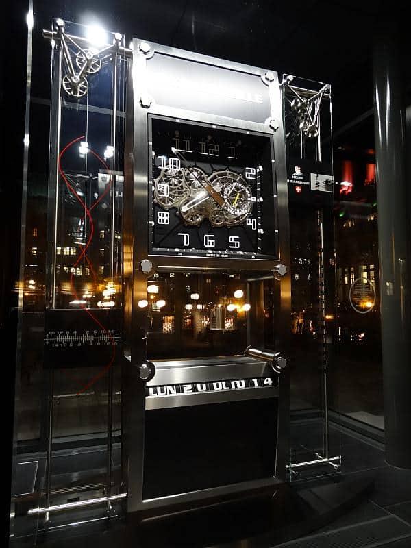 Schweizer Uhr, Québec