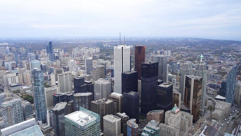 Aussicht vom CN Tower - Toronto und Niagarafälle