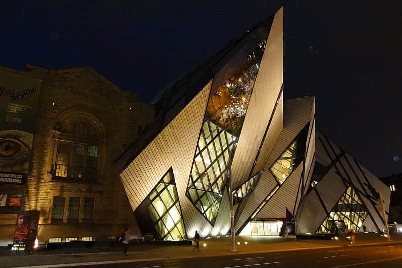 Royal Ontario Museum - Toronto und Niagarafälle