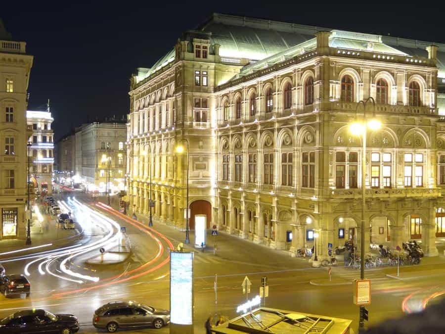 Wien - Staatsoper bei Nacht