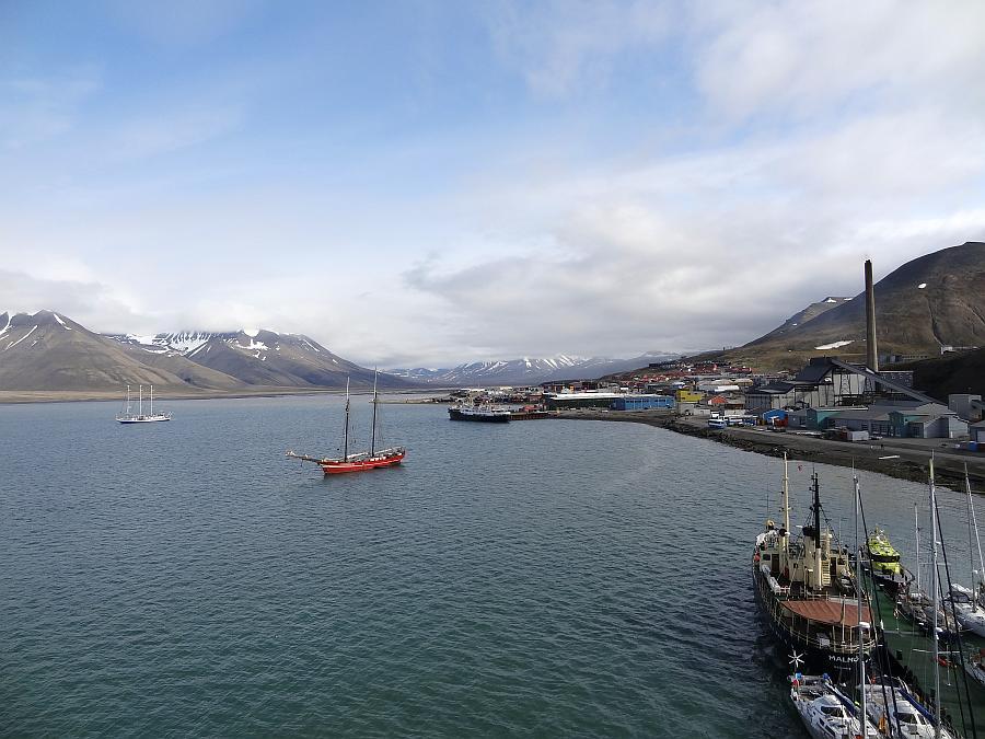 Spitzbergen - Hafen von Longyearbyen
