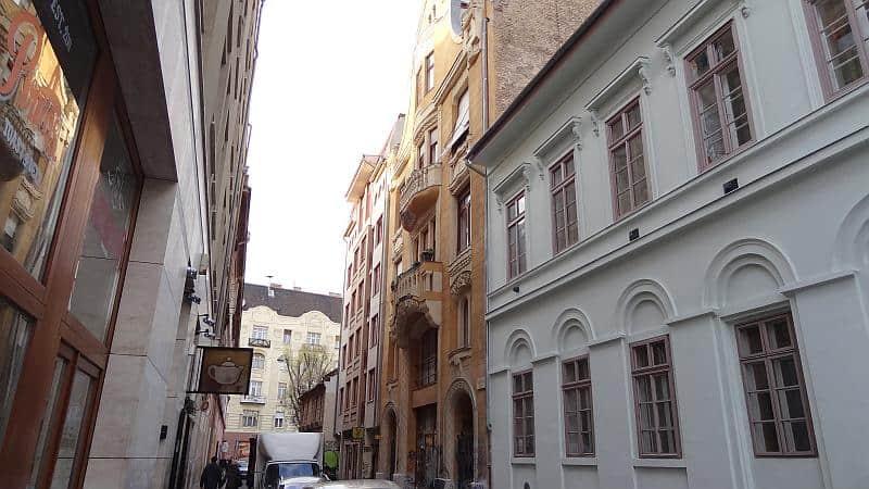 Kazinczy utca in Budapest