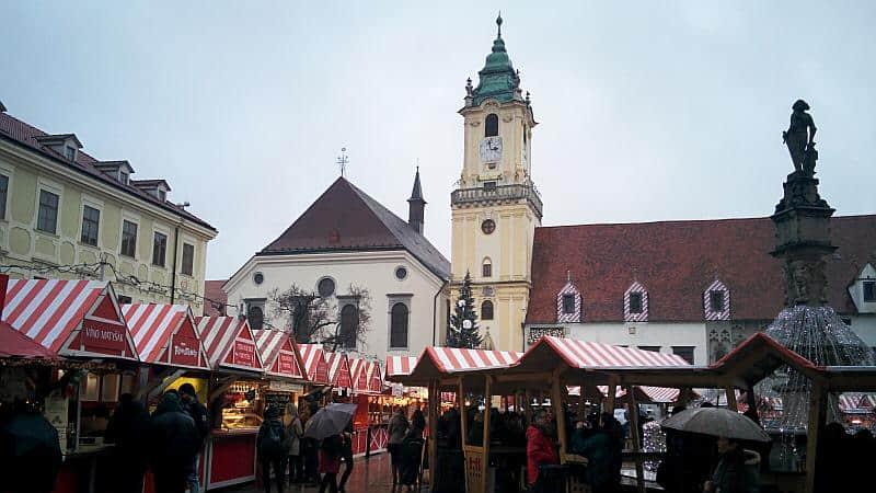 Weihnachtsmarkt in Bratislava - leider recht nass