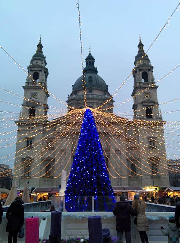 Weihnachtsdekoration in Budapest