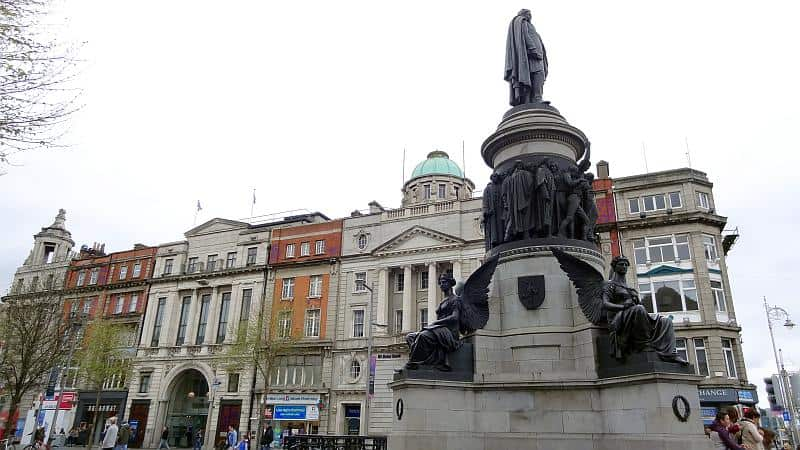 Die geschäftige O'Connell Street
