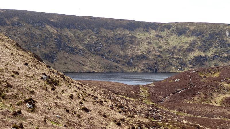 Der Lough Bray lugt hervor