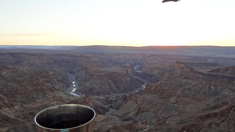 Sundowner am Fish River Canyon - reiseblitz.com