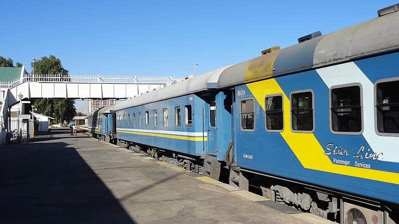 Zug am Bahnhof Windhoek