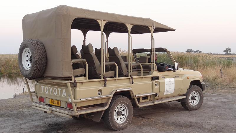 Safarijeep im Bwabwata-Nationalpark