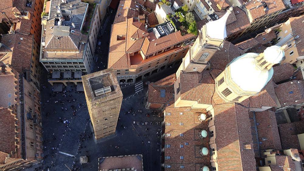 Torre Garisenda - Roadtrip Italien