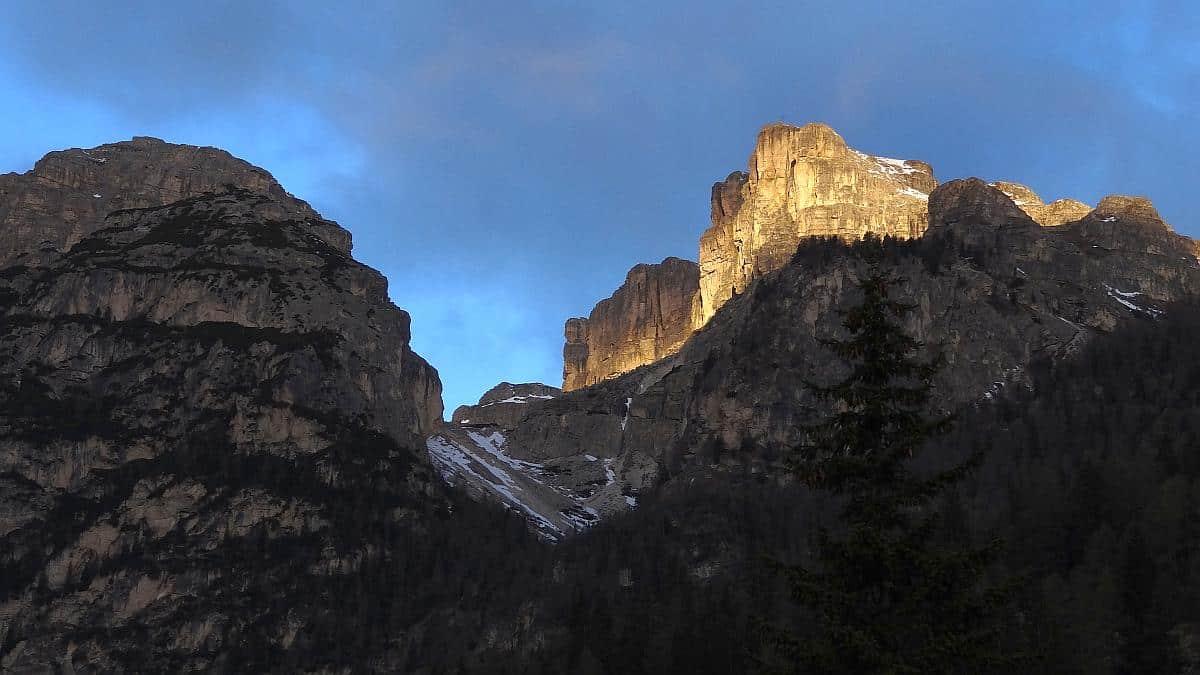 Sonnenaufgang - Frühling in den Dolomiten