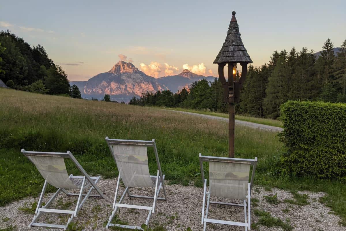 Abendlicher Blick auf den Traunstein vom Almgasthof Windlegern