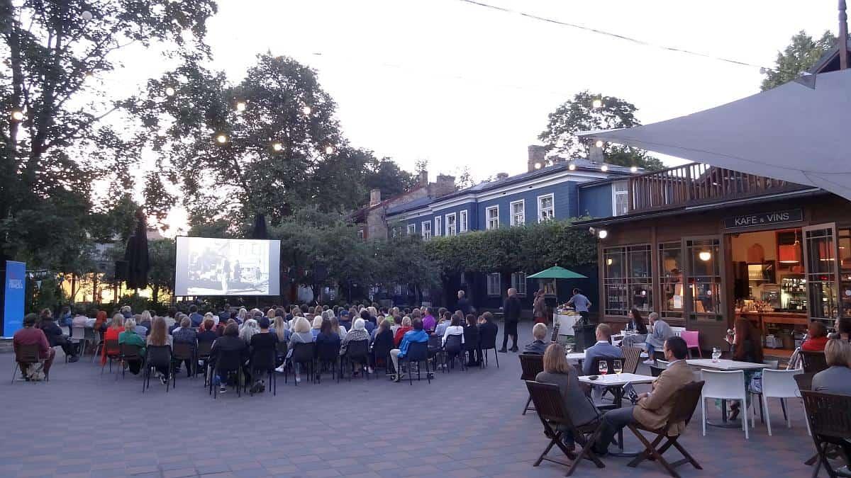 Freilichtkino Kalnciema - Riga an einem Tag