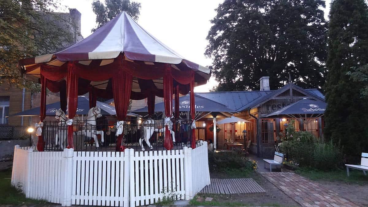 Holzhaus Kalnciema - Riga an einem Tag