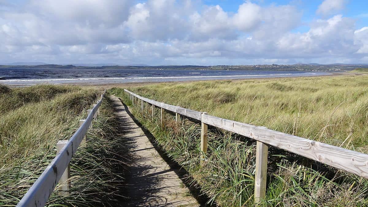 Steg zum Murvagh Beach in Donegal