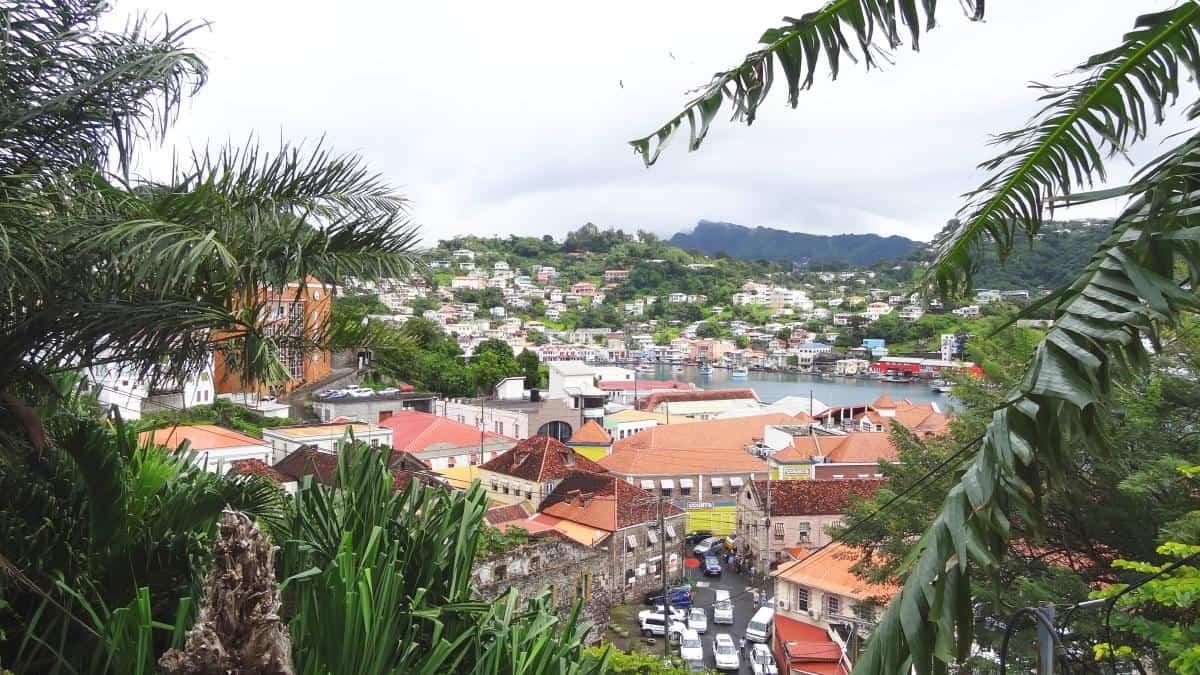 Blick über St. George's, Grenada
