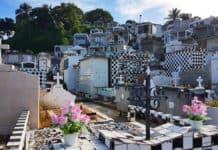 Friedhof in Morne-à-l'Eau, Guadeloupe - Ein Tag auf Guadeloupe: Panoramafahrt über Grande-Terre