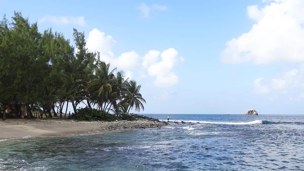 Strand im Pigeon Island Nationalpark