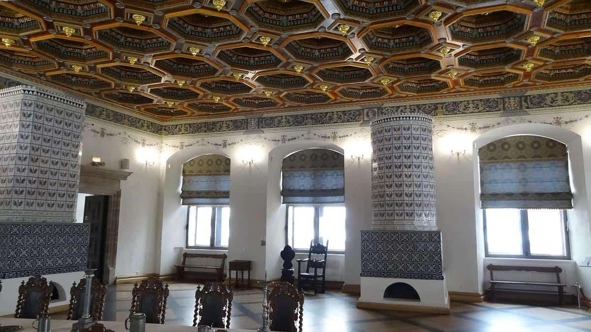Kassettendecke Schloss Mir