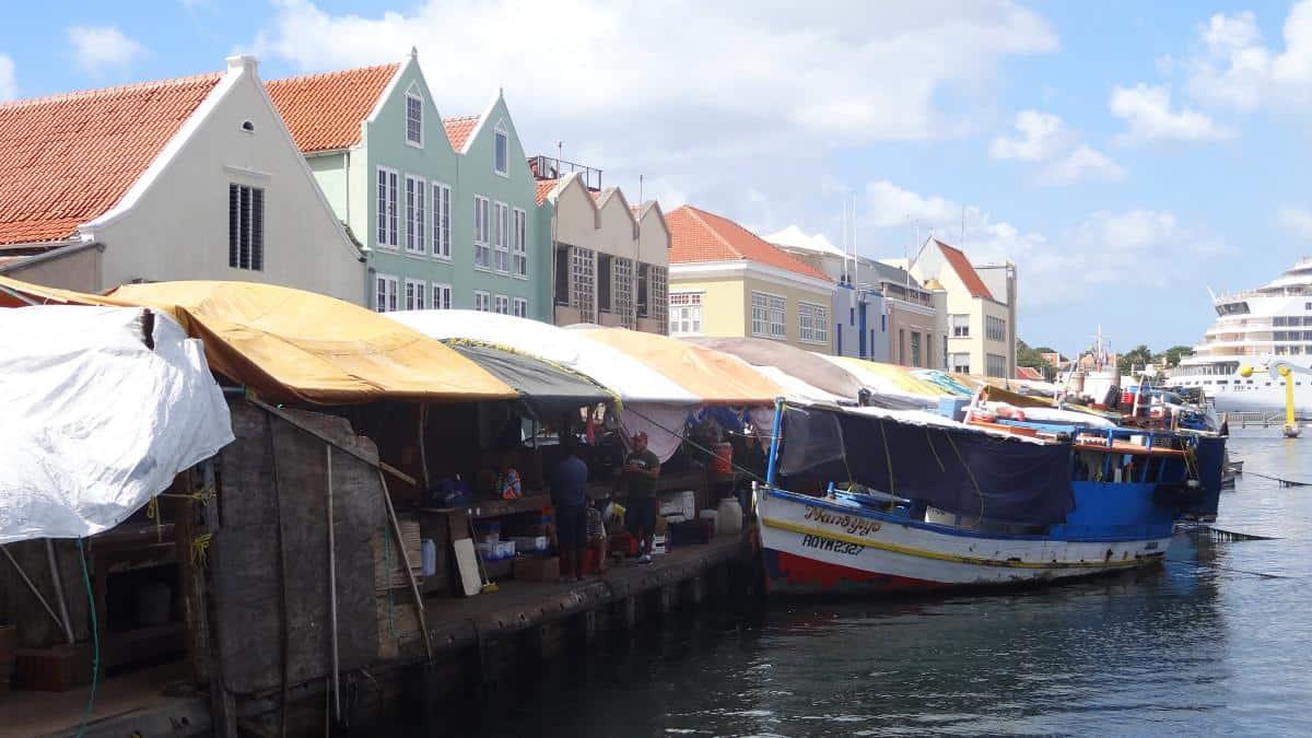 Schwimmender Markt in Willemstad