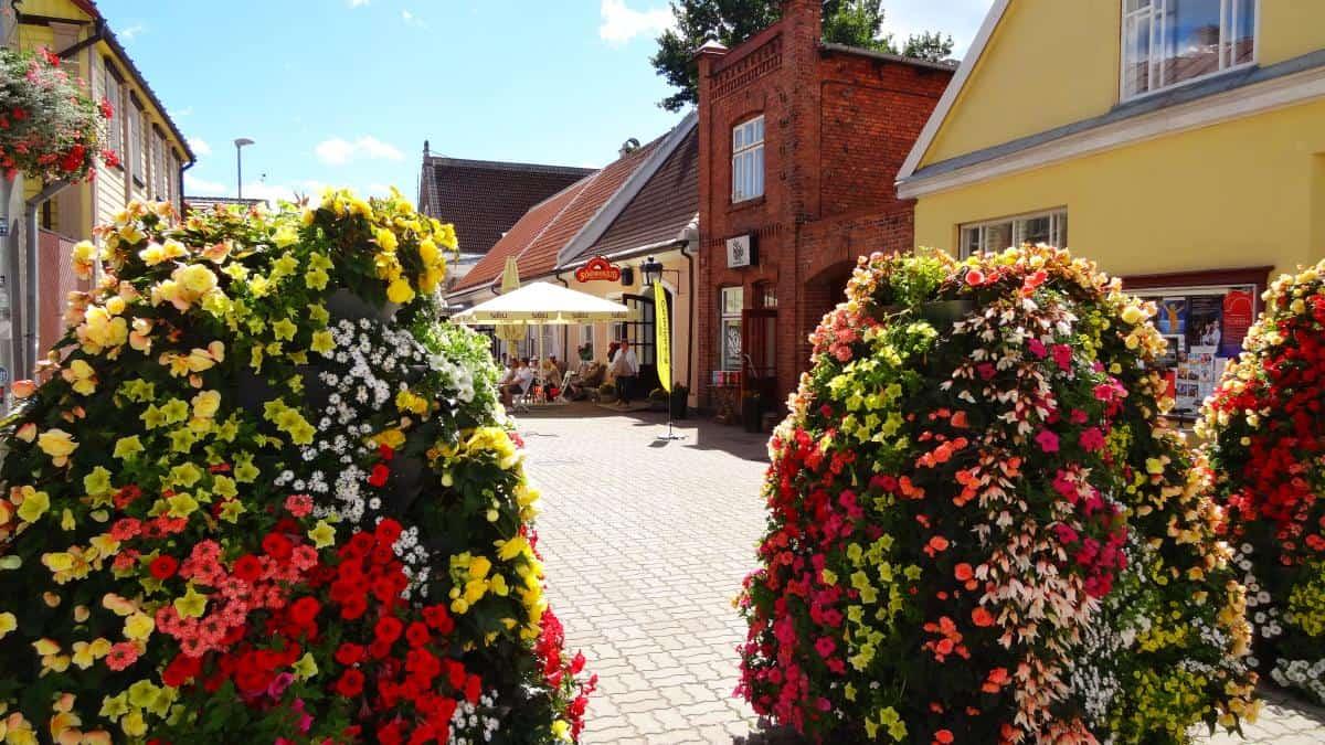 Üppiger Blumenschmuck, Pärnu, Estland