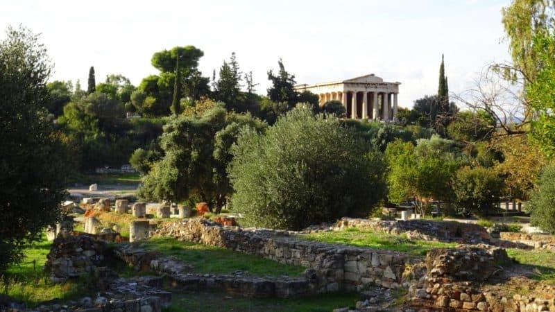 Blick auf den Hephaistos-Tempel