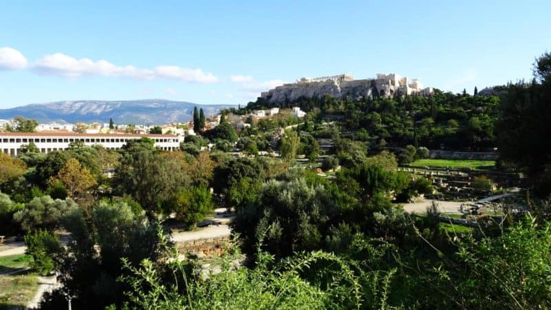 Blick über die weitläufige Archaía Agorá