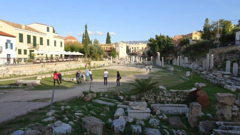 Die deutlich kleinere römische Agorá