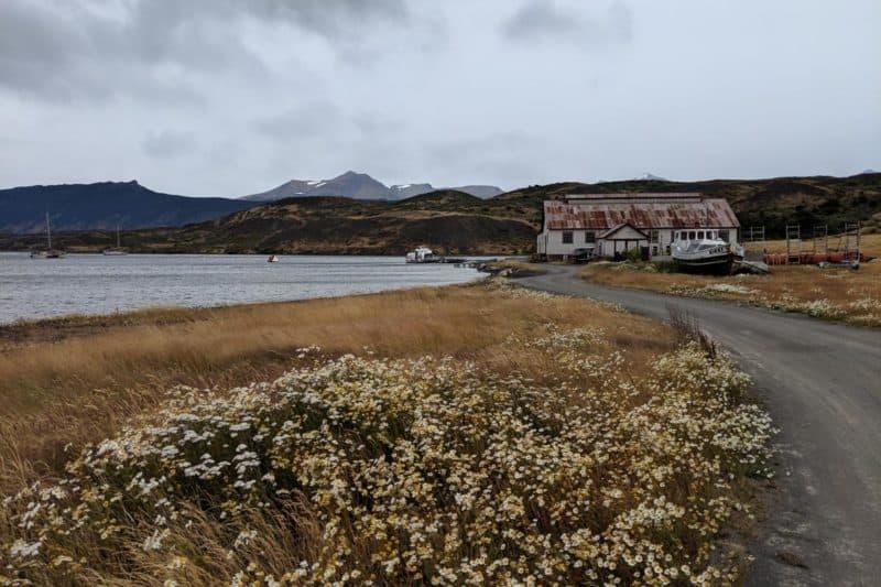 Estancia mit Salzwasserfjord