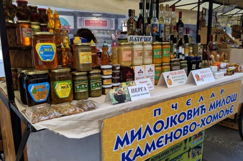 Marktstand mit Honig
