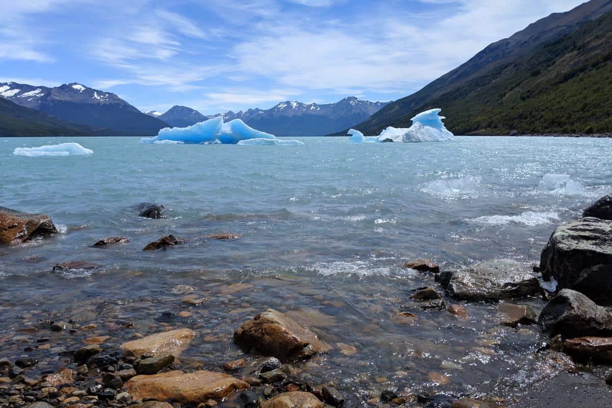 Gestrandete Eisberge im Lago Argentino