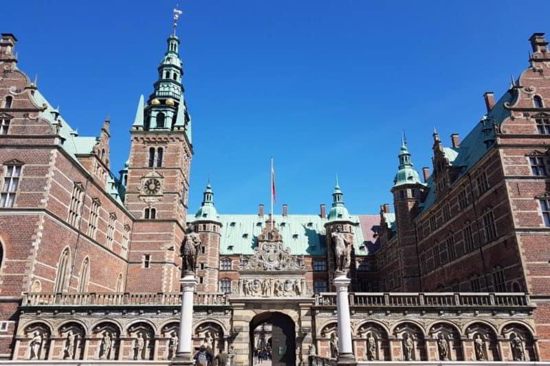 Ausflugstipps von Kopenhagen: Schloss Frederiksborg in Hillerød auf Seeland