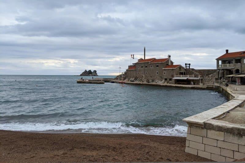 Uferpromenade in Petrovac na Moru