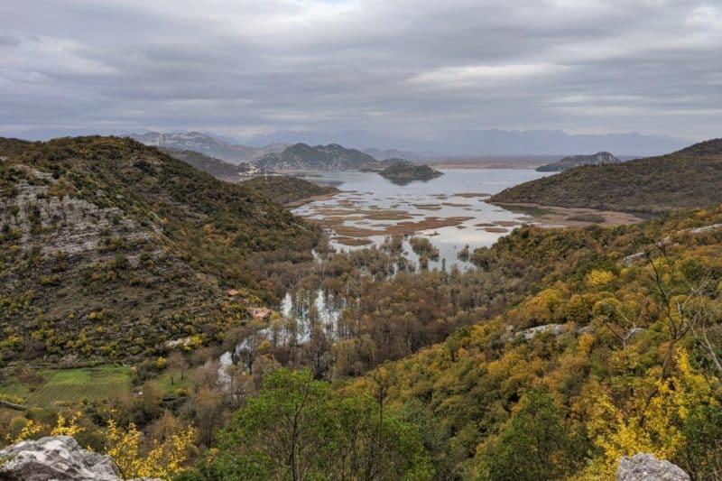 Aussicht von der Panoramastraße am Skutarisee