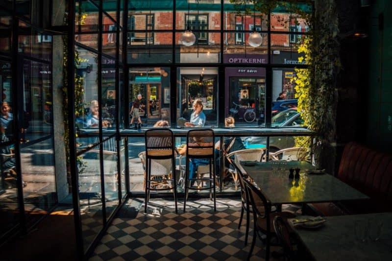 "Lokaltipp in Kopenhagen: Bistrot ""Les Trois Cochons"" im Værnedamsvej | Copyright: Wonderful Copenhagen, Copenhagen Media Center, Photographer: Simon Bang"