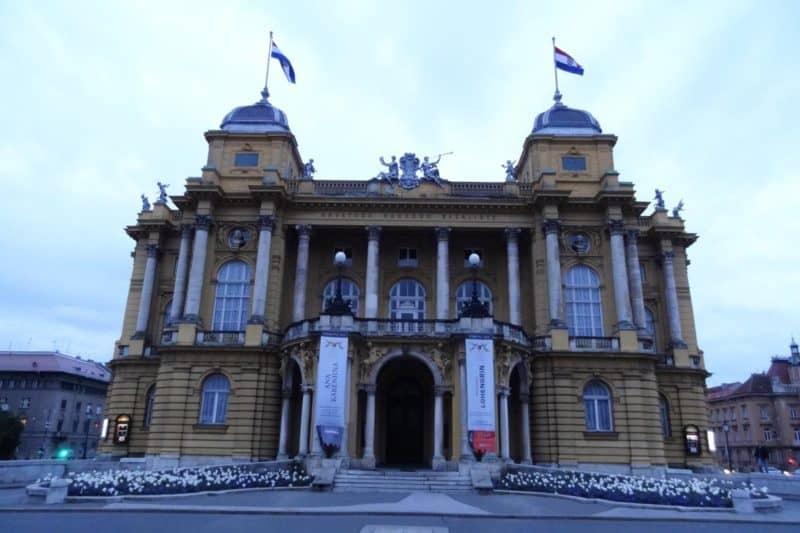 Blick auf das Nationaltheater in Zagreb