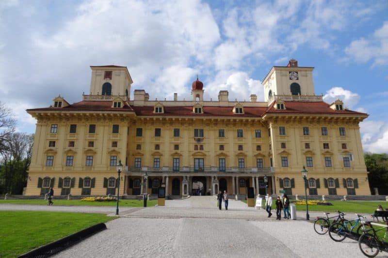 Fassade des Schloss Esterházy in Eisenstadt
