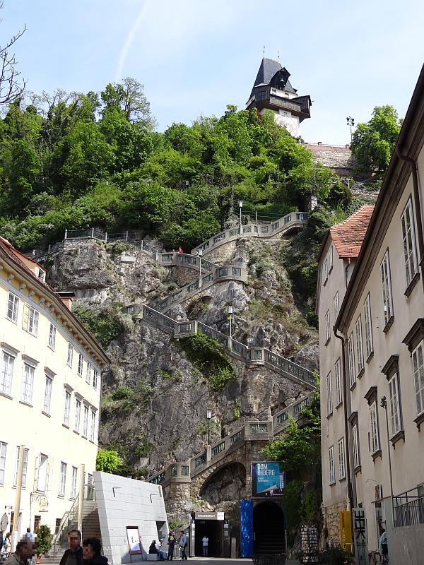 Stufen auf den Schlossberg