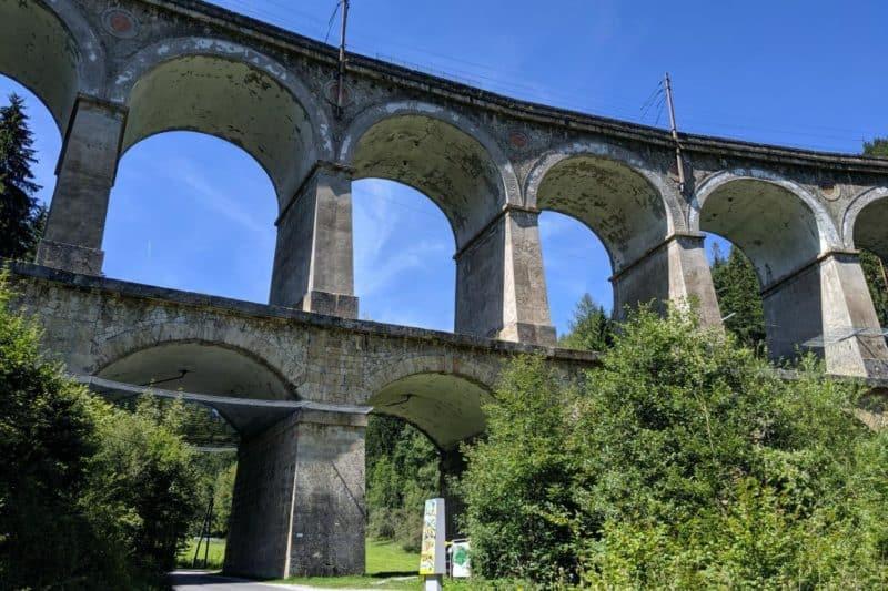 Das zweistöckige Kalte-Rinne-Viadukt von unten
