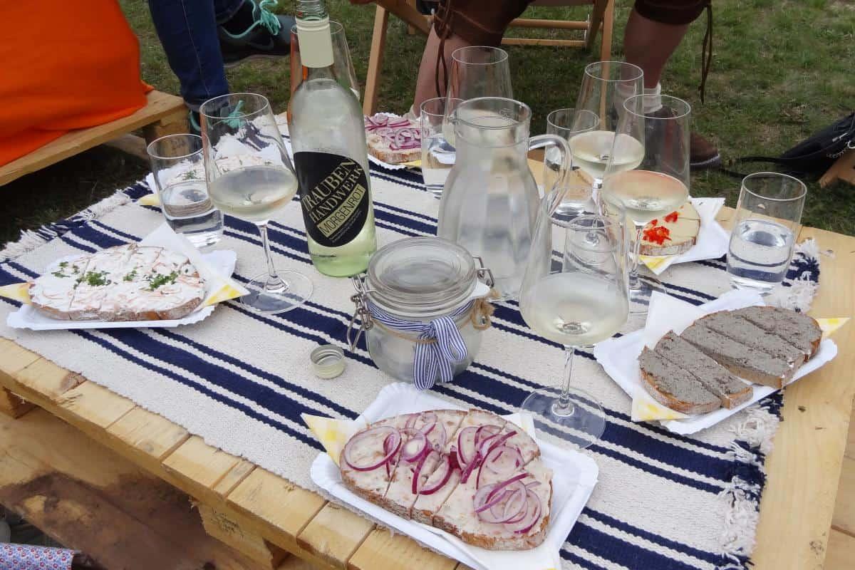Weinjause auf der Genussmeile Baden